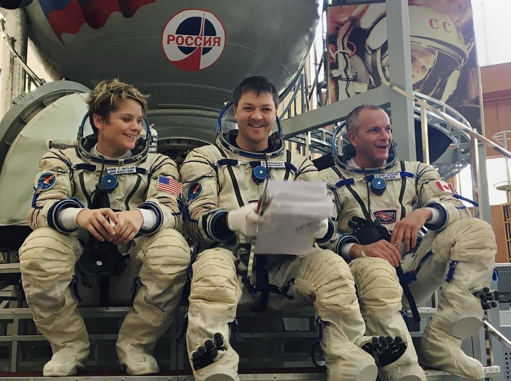 canadian astronaut david saintjacques uses simulator to