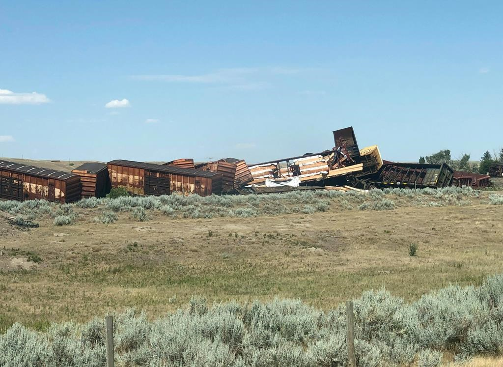 Evacuation ends and rail line reopens after Alberta train derailment