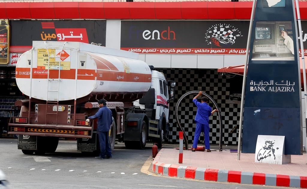 Oil price drops for 2nd day as Saudi crude output recovers