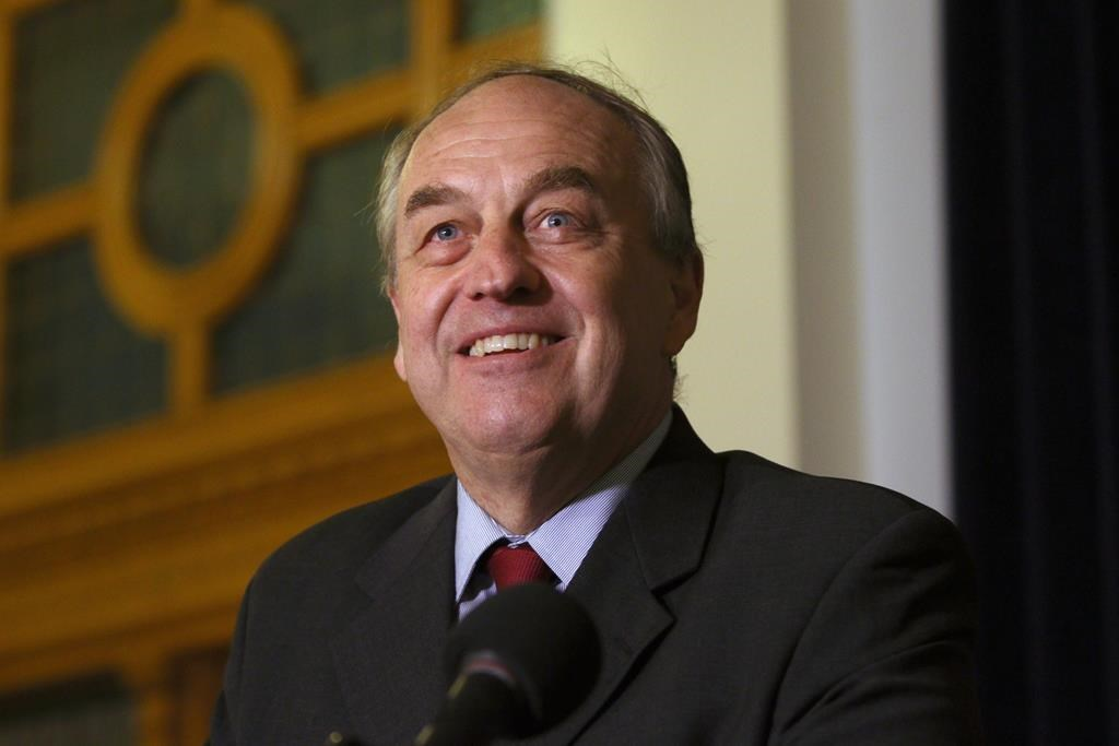 B.C. Green Leader Andrew Weaver steps aside, party to elect next