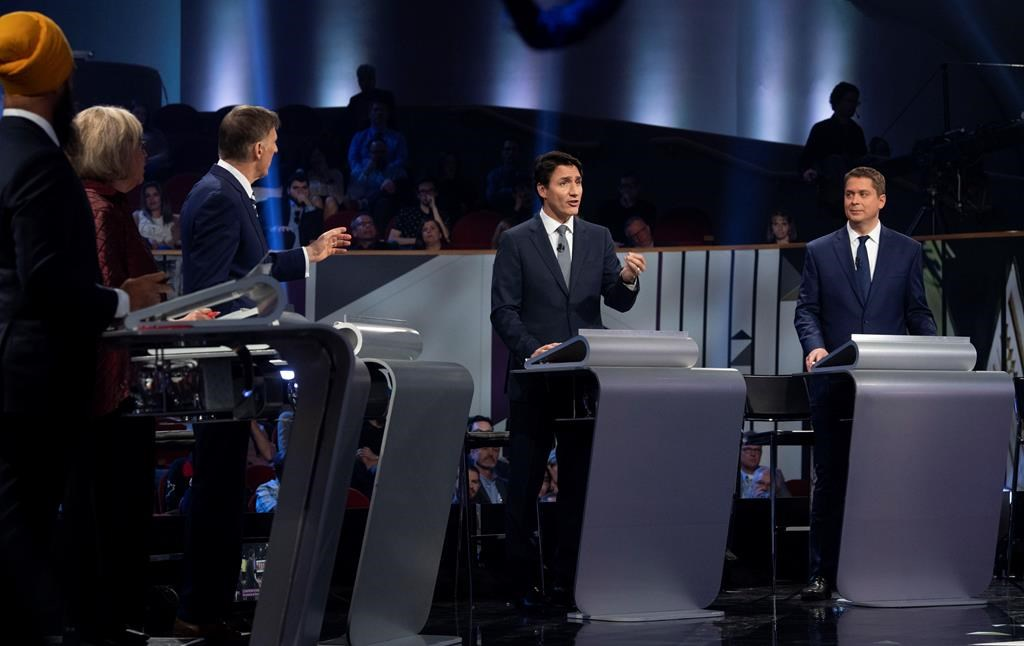 Final debate behind them, federal leaders begin sprints to Oct. 21