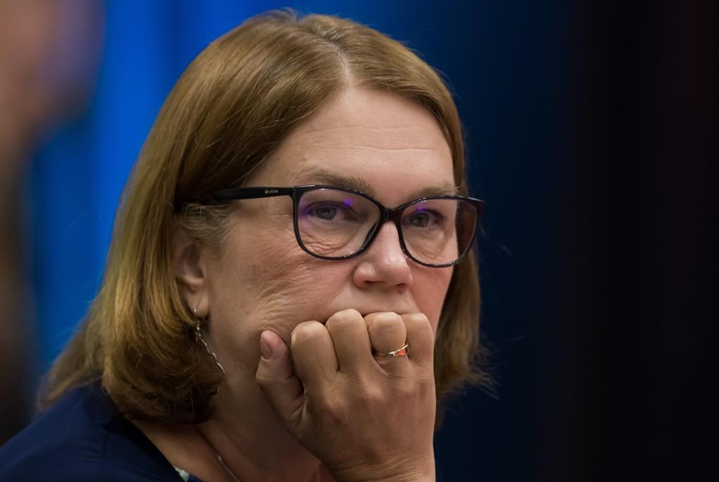 Philpott can't get paid for work with First Nation