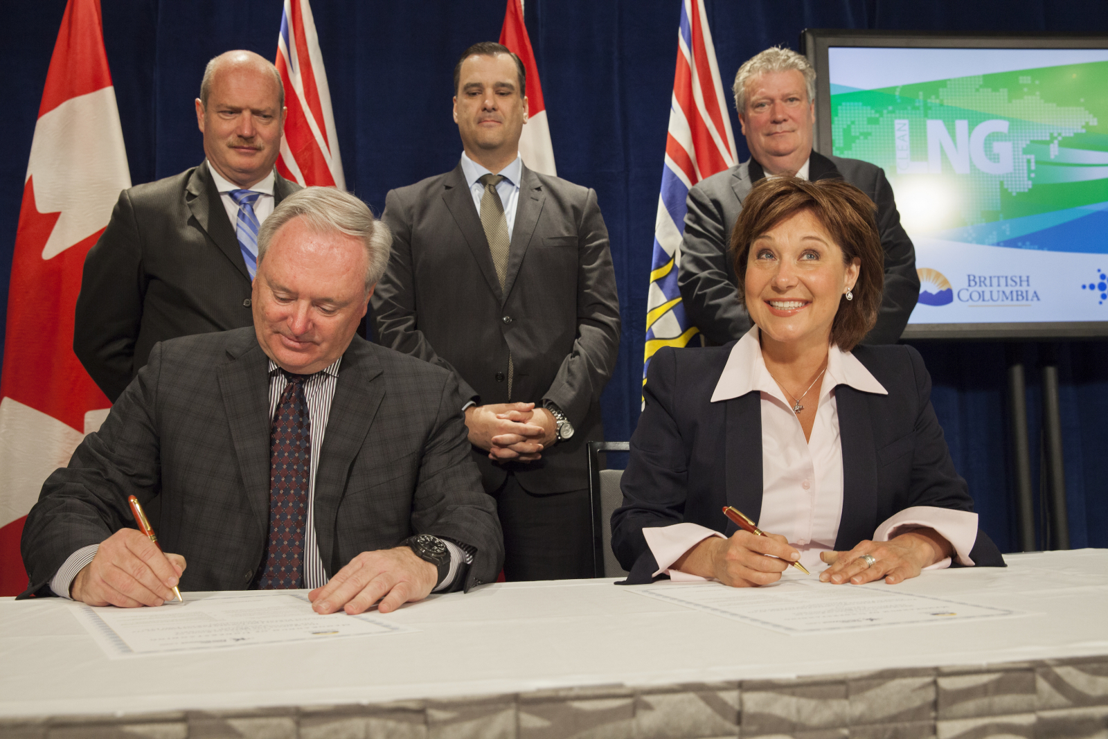 Christy Clark and Petronas sign LNG PDA in Vancouver - Mychaylo Prystupa