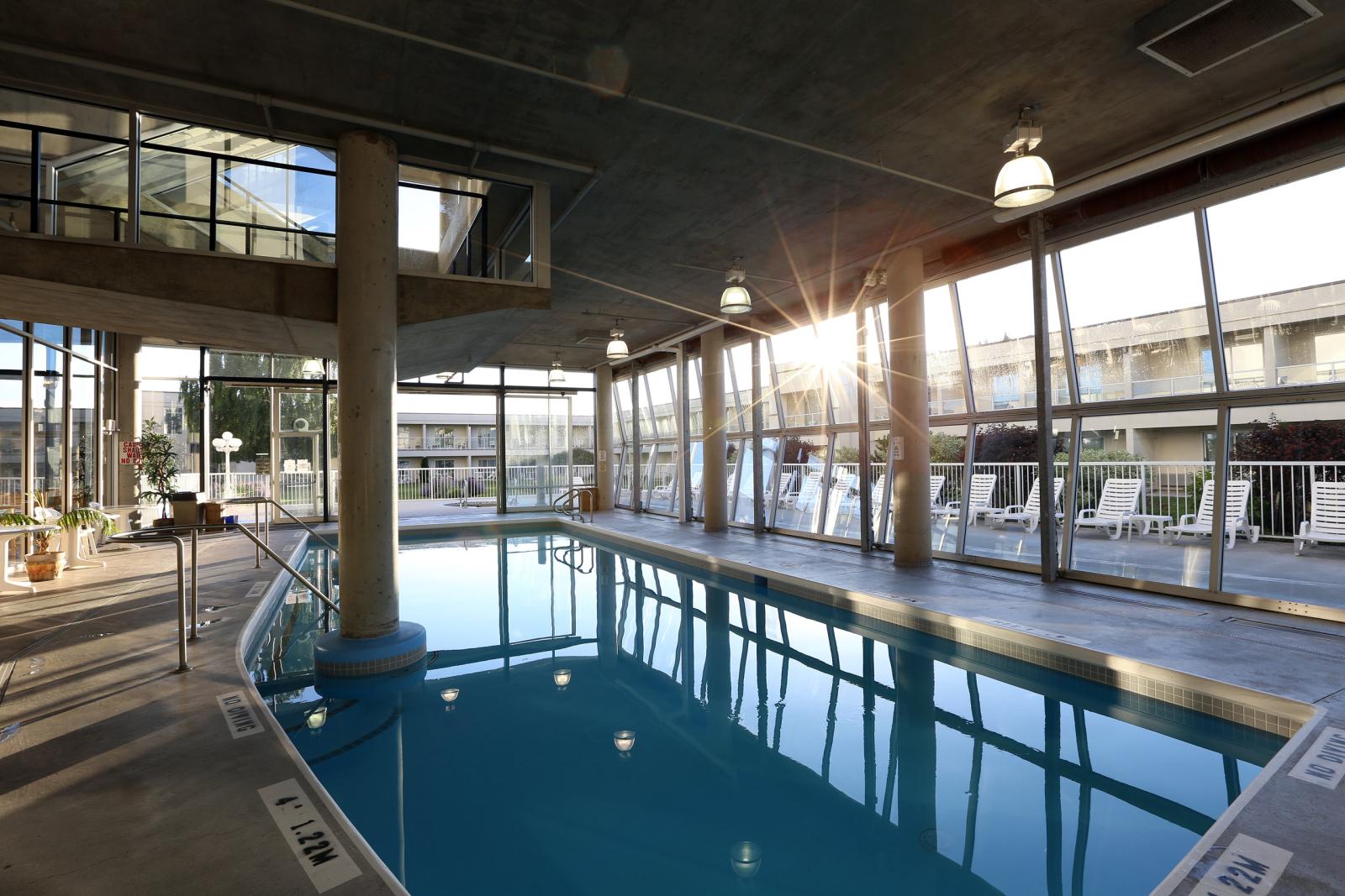 kelowna swimming pool thompson okanagan british columbia tourism making the