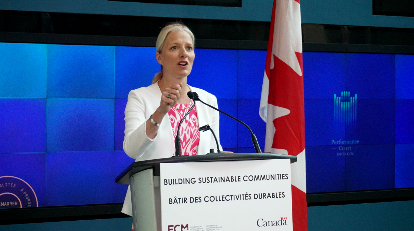Catherine McKenna, Environment Canada, Federation of Canadian Municipalities