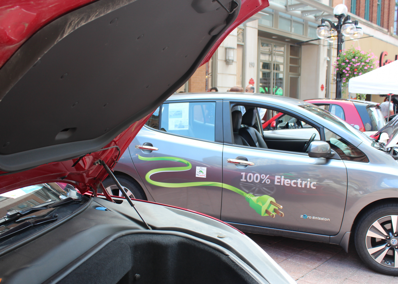 The 100% electric Nissan leaf
