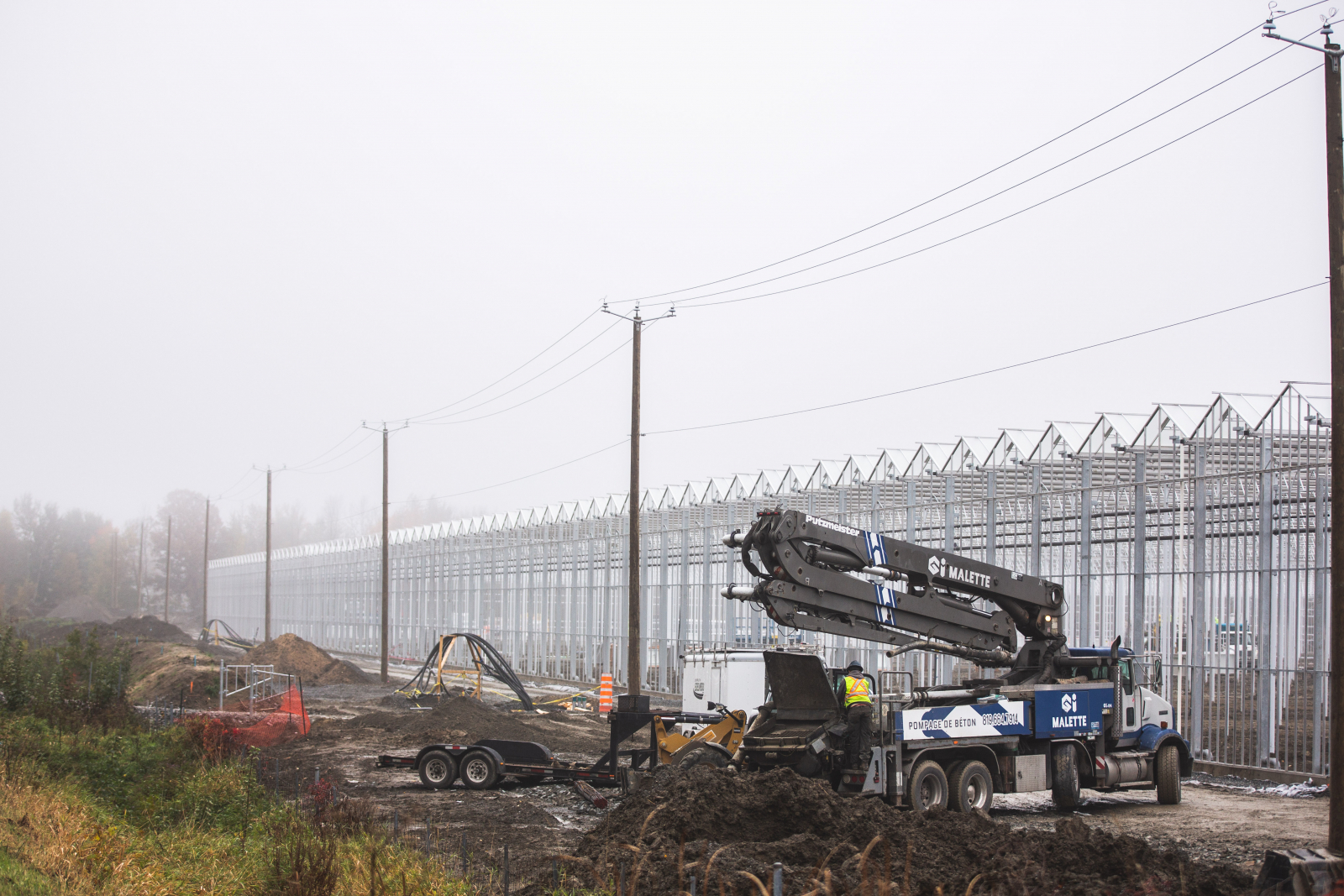 Rapid contruction at Hexo Corp, a cannabis production facility in Gatineau, QC
