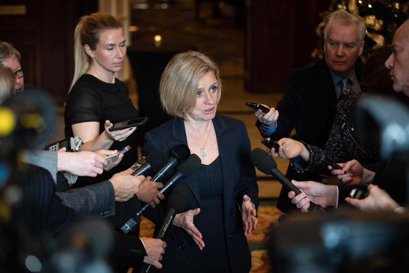 Alberta Premier Rachel Notley speaks to reporters in Ottawa on Nov. 28, 2018. Photo by Alex Tétreault