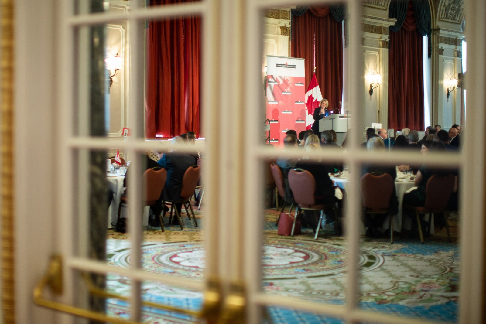 Alberta Premier Rachel Notley addresses the Canadian Club of Ottawa at the Chateau Laurier on Nov. 28, 2018. Photo by Alex Tétreault