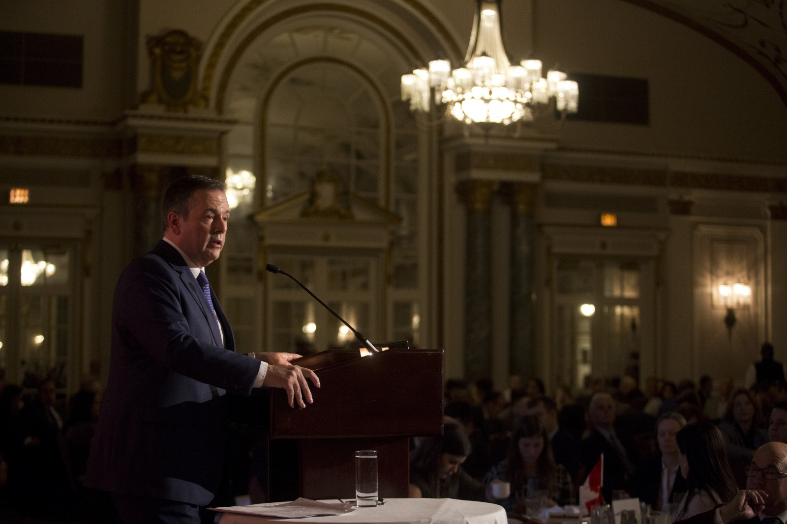 Kenney 'prepared to be pragmatic' on oilsands pollution cap