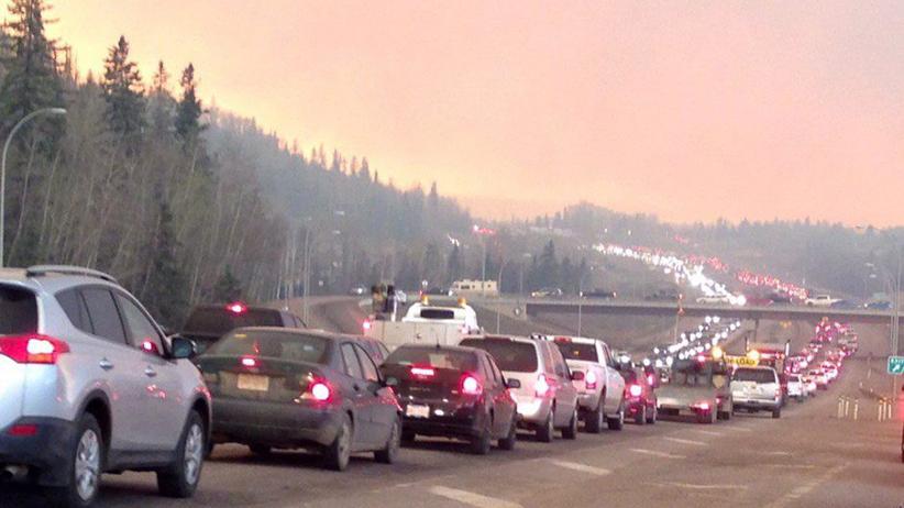 Apocalípticas imágenes del gran incendio de Alberta, Canadá Mac19_fortmac_post03