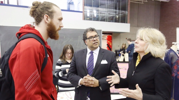 2016-08-10   Teachers investigate whether University of Calgary is in bed with Big Oil,  National Observer