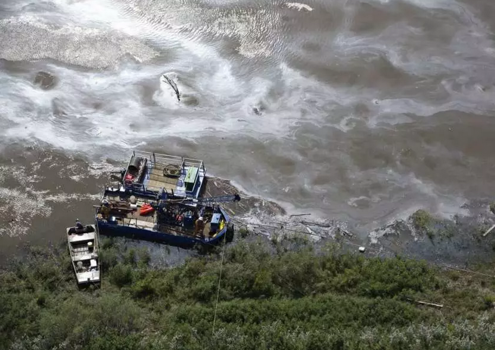 First Nation with poisoned waters feels abandoned after Husky oil ...