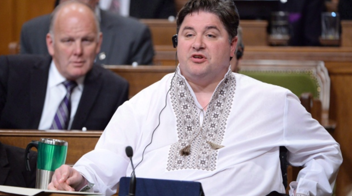 Kent Hehr resigns from cabinet after allegation he called ex-staffer 'yummy'