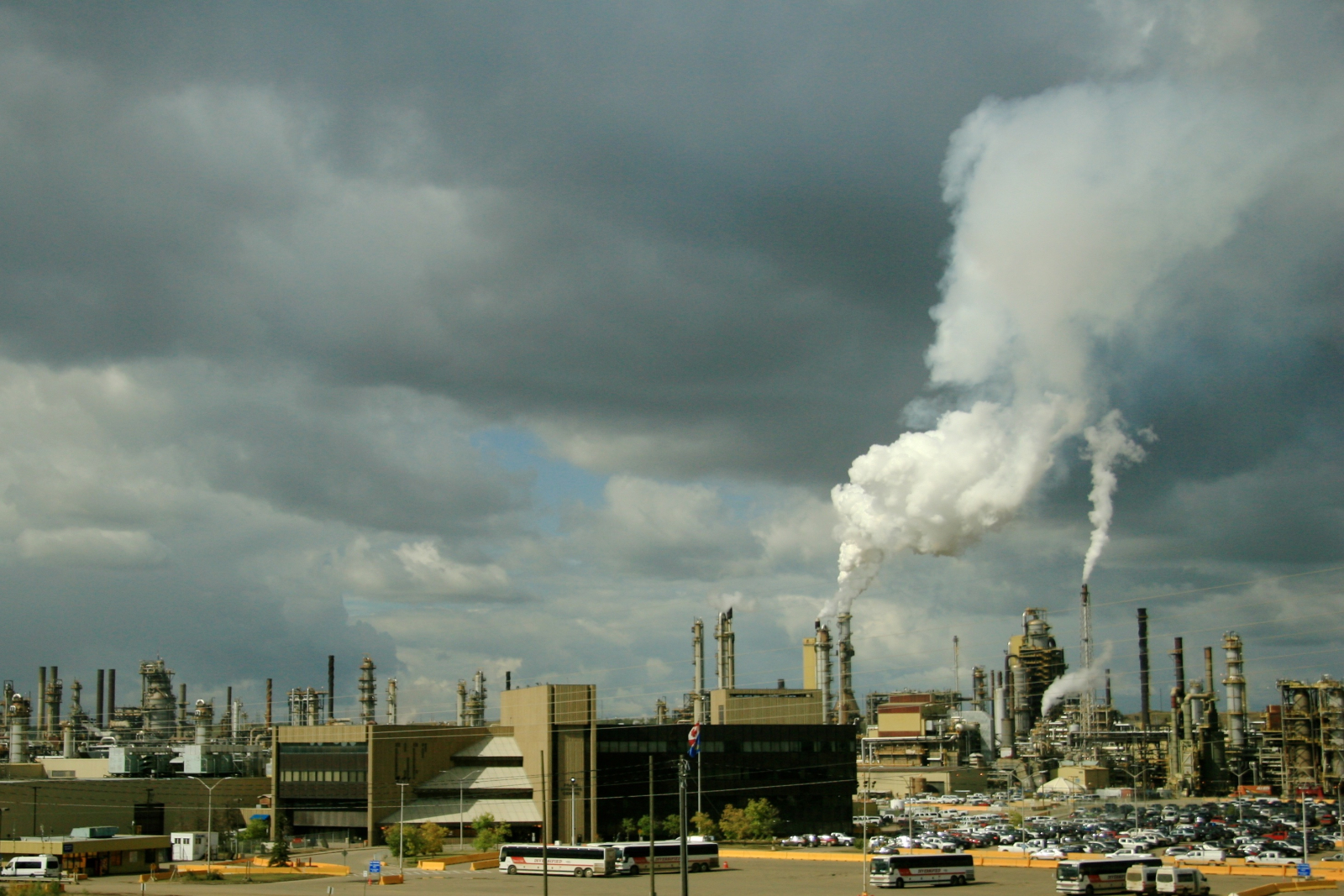 Illusion Vs Reality In Sky Over Owen >> Alberta S Oilsands Feature Prominently In A New York State Lawsuit