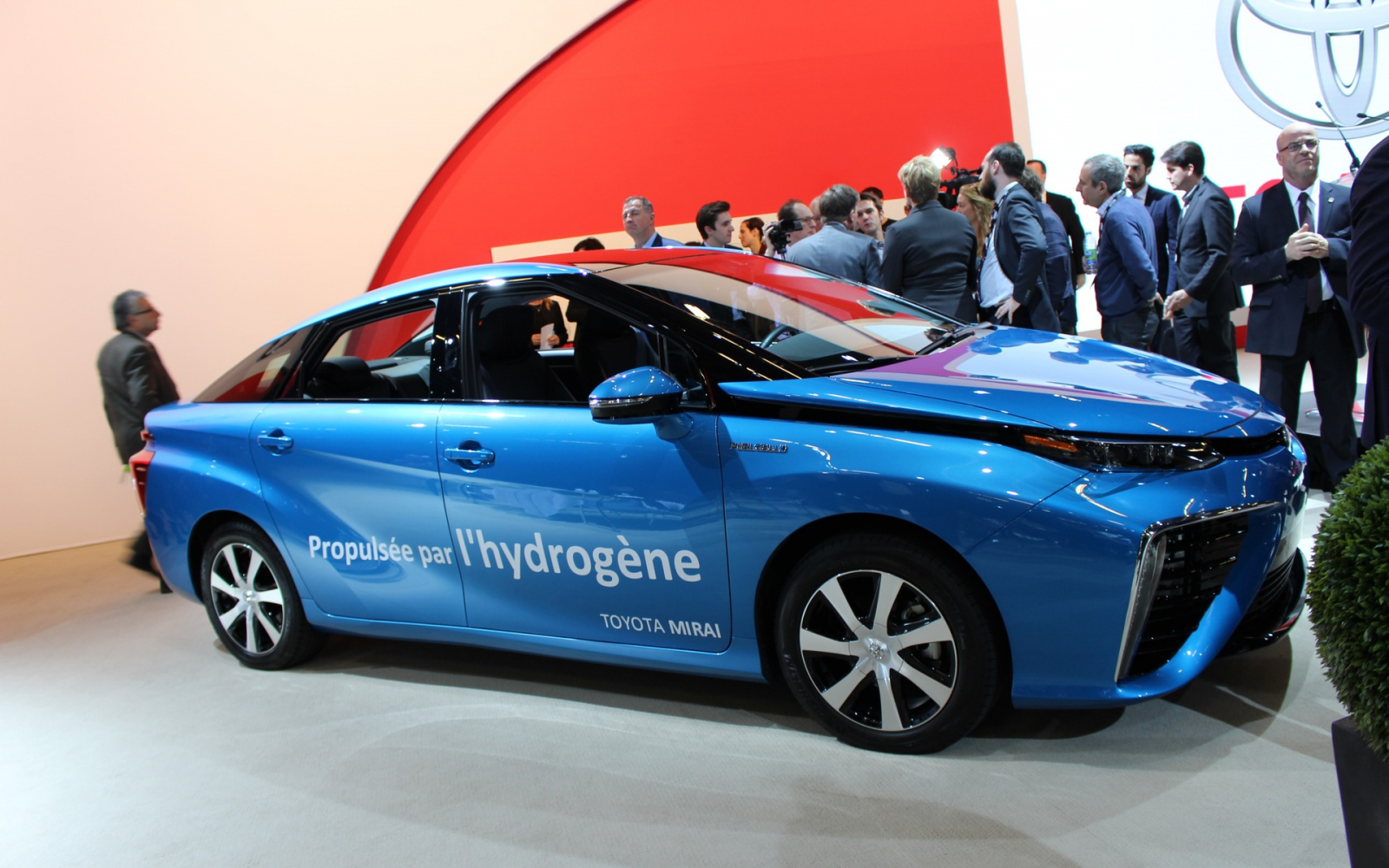 Canadian ZEV update: fuel cells gain a foothold | National