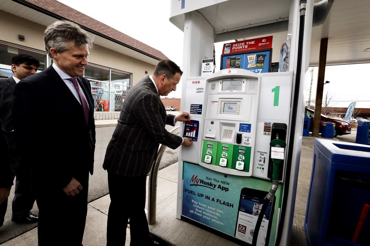 Find A Gas Station >> Gas Stations That Don T Display Carbon Tax Sticker Could Be