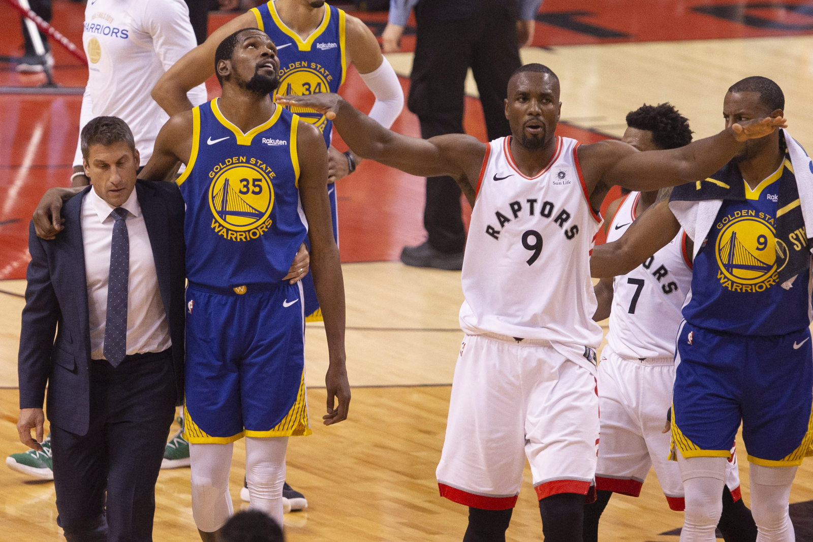 We fact-checked a fake video of Raptors fans cheering for an
