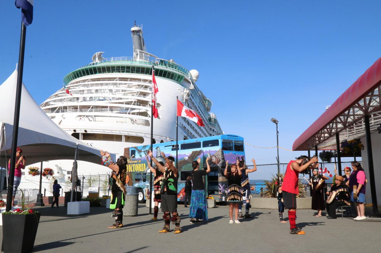 Feds extend cruise ship ban through the summer