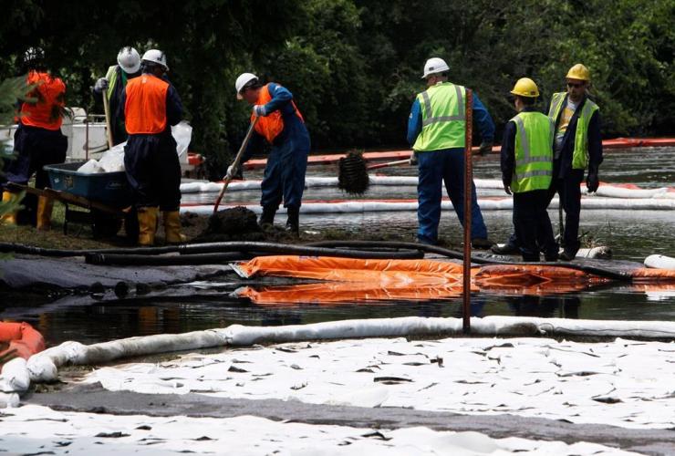 Enbridge, oil spill, wet lands, Michigan, clean-up