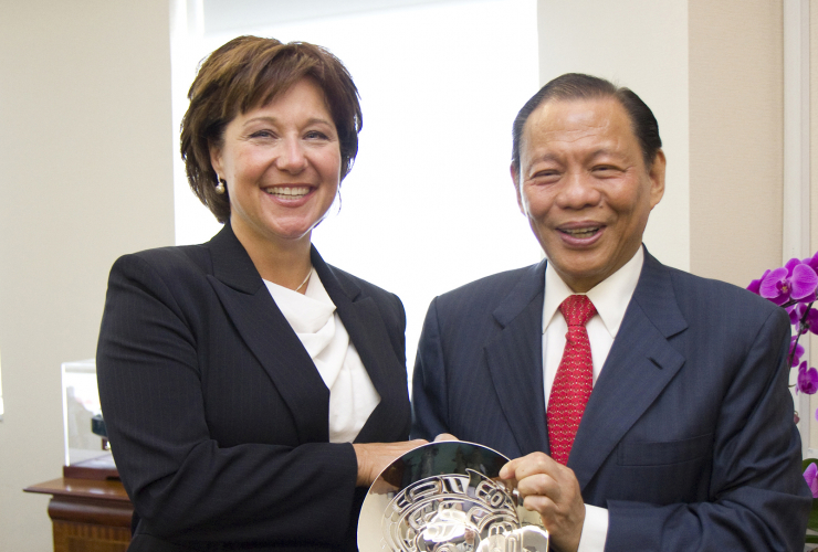 Premier Christy Clark and owner of Woodfibre LNG Sukanto Tanoto