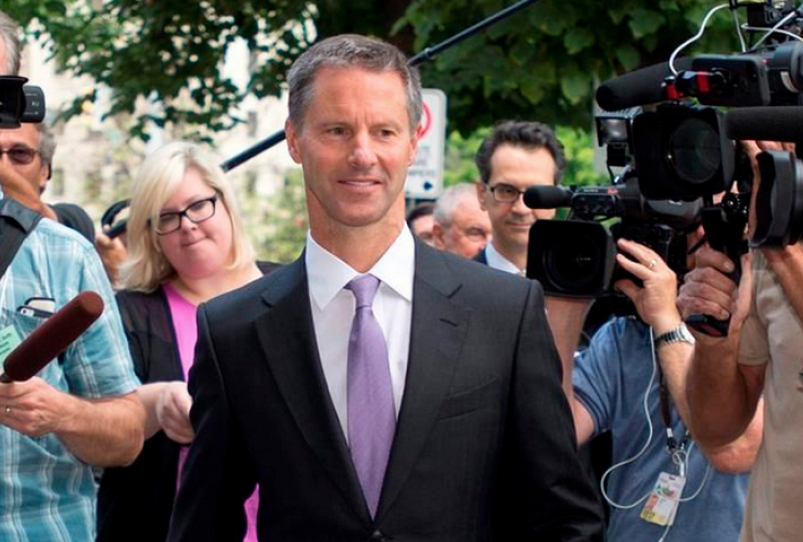 Nigel  Wright steps down from stand, Aug. 2015 CP Photo