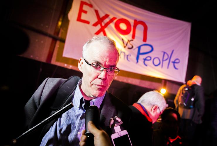bill_mckibben_exxon_vs_people_trial_paris_cop21_-_mychaylo_prystupa