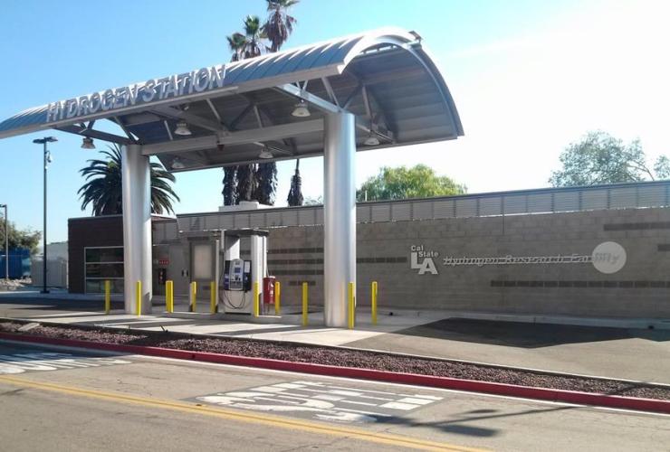 Hydrogen-car fuelling station