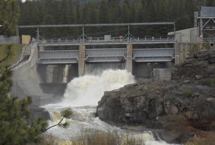 Klamath River Dam. Photo from John Boyle/Creative Commons