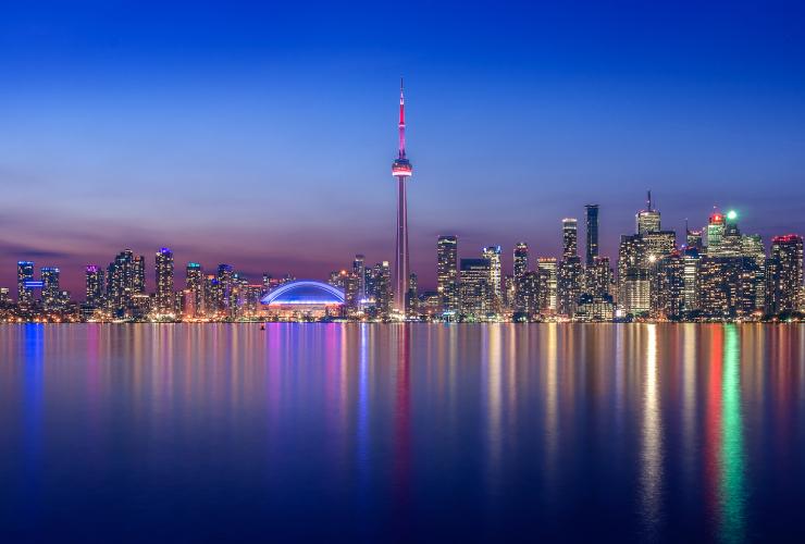 Toronto, CN Tower, climate change, municipal government, City of Toronto