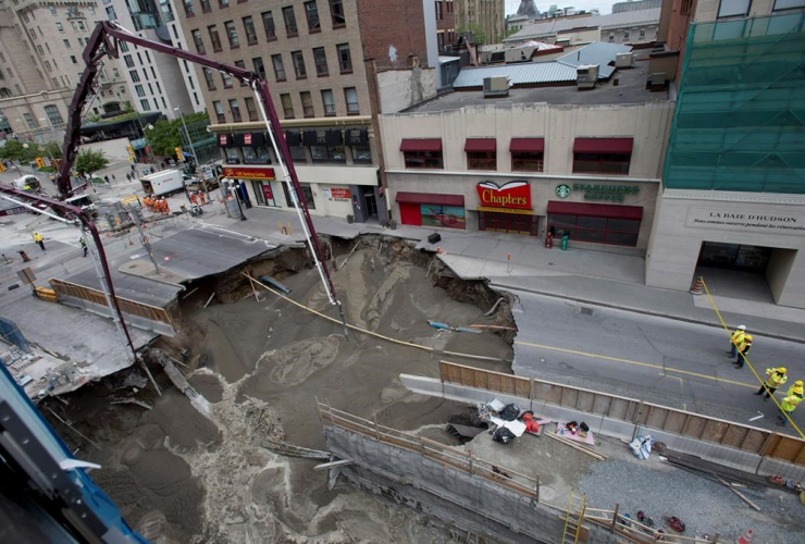 sinkhole, Ottawa, Rideau, Sussex, Jim Watson, light rail