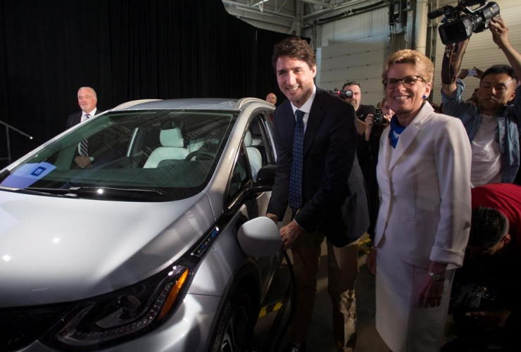 Justin Trudeau, General Motors, Kathleen Wynne, self-driving cars, GM, Ontario