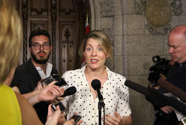 Mélanie Joly, media, Postmedia, advertising, Facebook, Google, Twitter