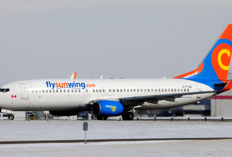 Sunwing, boeing 737, pilot, drunk, Calgary