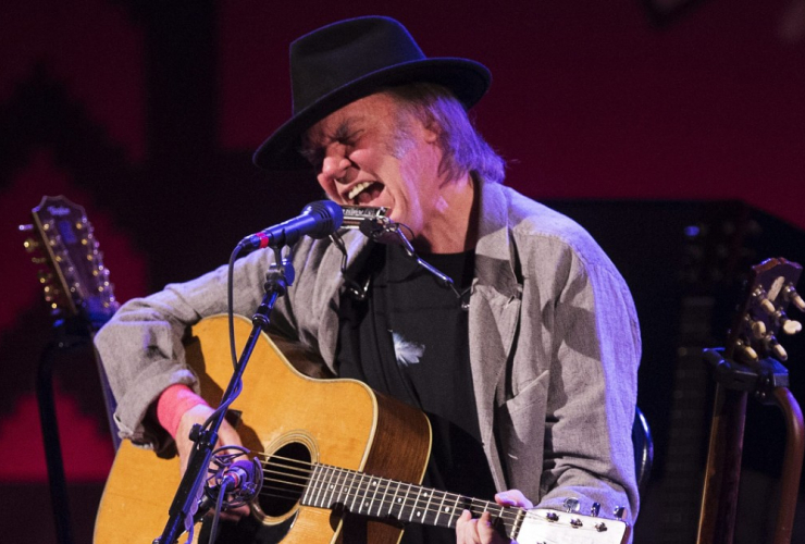 Neil Young is one of 26 prominent Canadians calling on Prime Minister Justin Trudeau to follow through on his promise to reform the electoral system. Photo by Mark Blinch/CP.