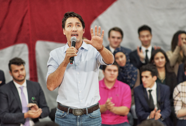 Justin Trudeau, Calgary, town hall, oilsands