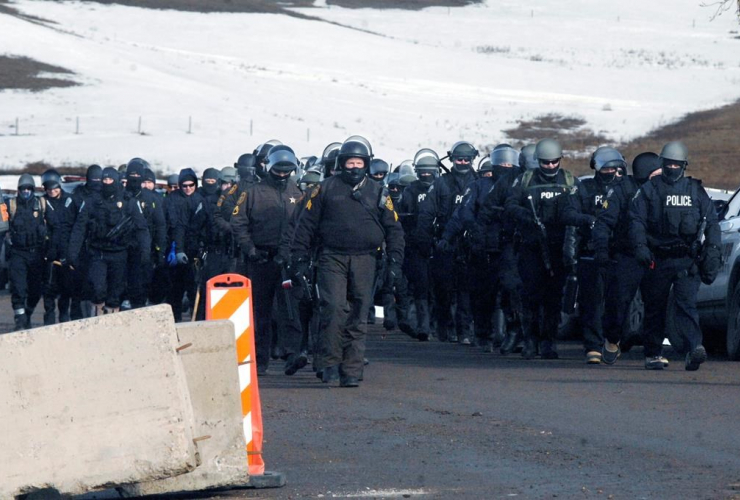 National Guardsmen clear Dakota Access oil pipeline camp