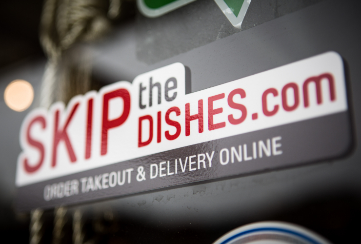 Winnipeg-based Skip the Dishes has apologized after cancelling an interview with a prospective employee who asked about wages and benefits. Photo by Alex Tétreault.