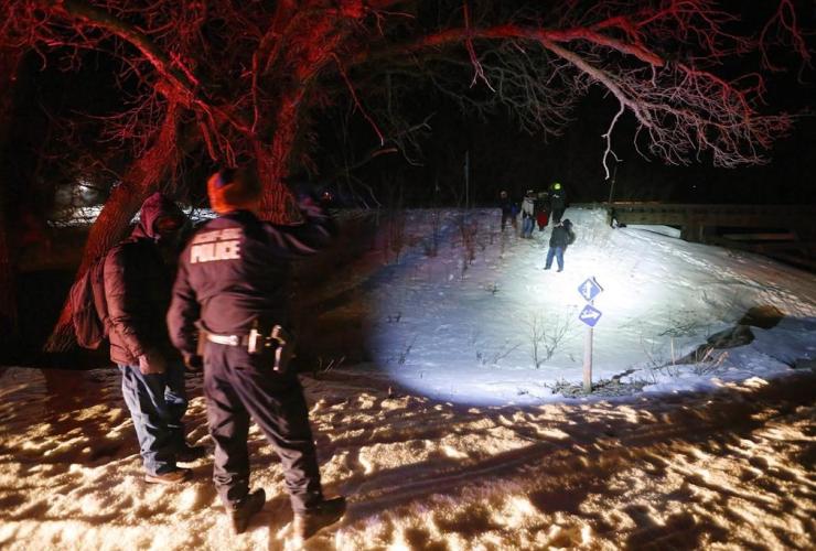 Migrants from Somalia cross into Canada illegally