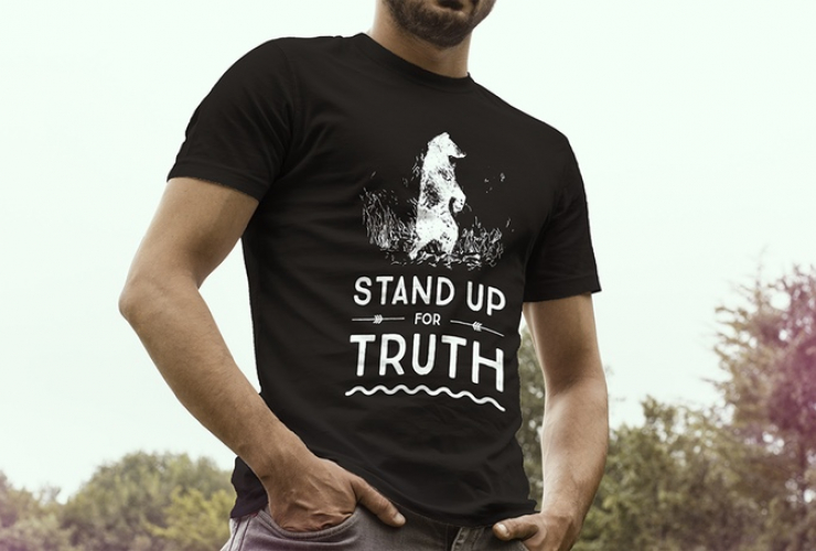 National Observer's 'Stand for Truth' t shirt, designed by reporter Elizabeth McSheffrey