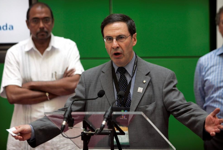 International AIDS conference co-chair Dr. Mark Wainberg, an AIDS expert from McGill University in Montreal, addresses an event raising awareness about the disease at the conference in Toronto, Sunday, Aug.13, 2006.