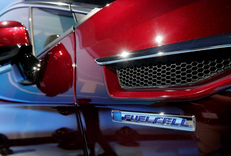 The fuel cell logo adorns the fender of the Honda Clarity at a media preview at the New York International Auto Show, at the Jacob Javits Center in New York, Wednesday, April 12, 2017.