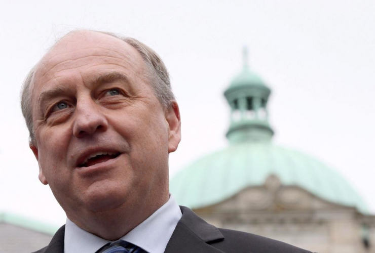 B.C. Green party leader Andrew Weaver speaks to media in the rose garden on the Legislature grounds in Victoria, B.C., on May 10, 2017.