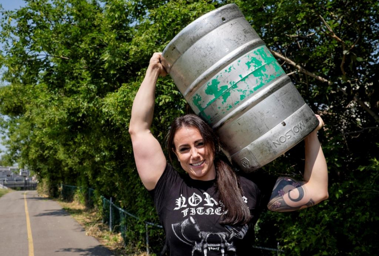 Allison Lockhart, Canada's strongest woman, Calgary Stampede, beer keg, Stampede, Calgary, Alta.
