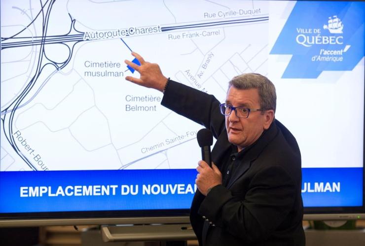 Quebec City mayor, Regis Labeaume, map, Muslim cemetery, Quebec City