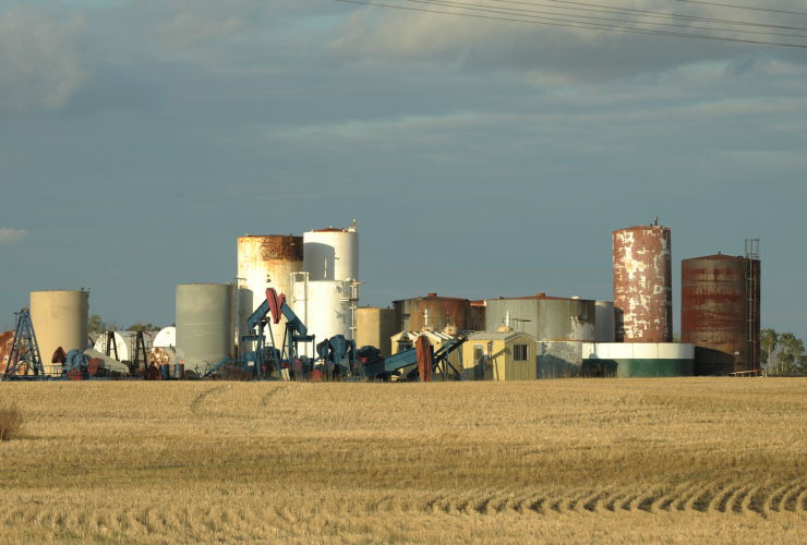 Saskatchewan, H2S, Price of Oil, Oxbow, pumpjack