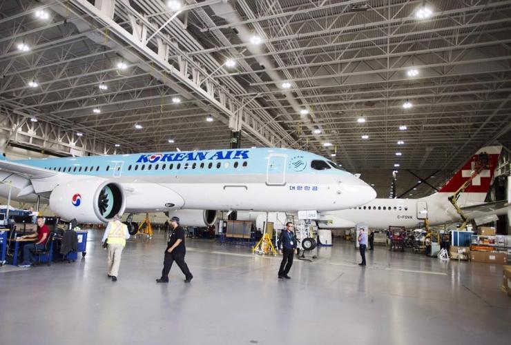 Bombardier, CSeries 300, jets, Mirabel,