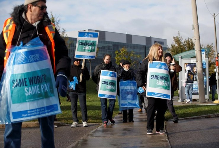 Striking faculty, picket line, Humber College, Toronto,