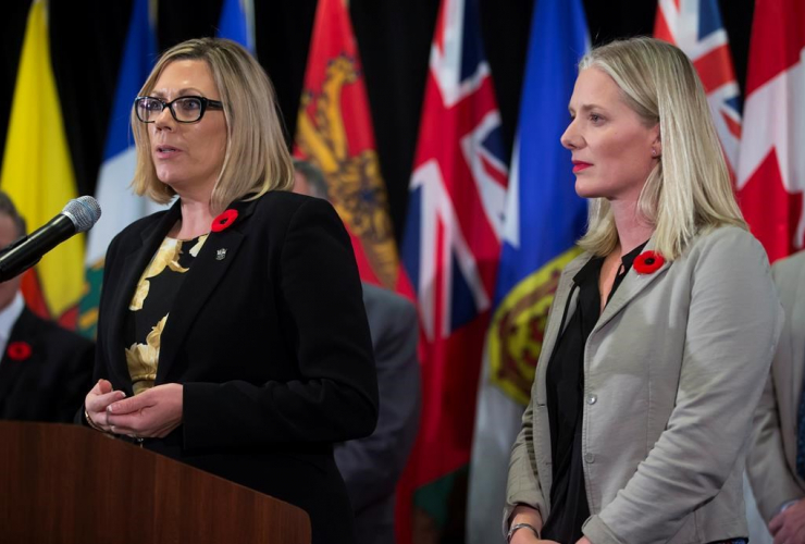 Rochelle Squires, Catherine McKenna, news conference,