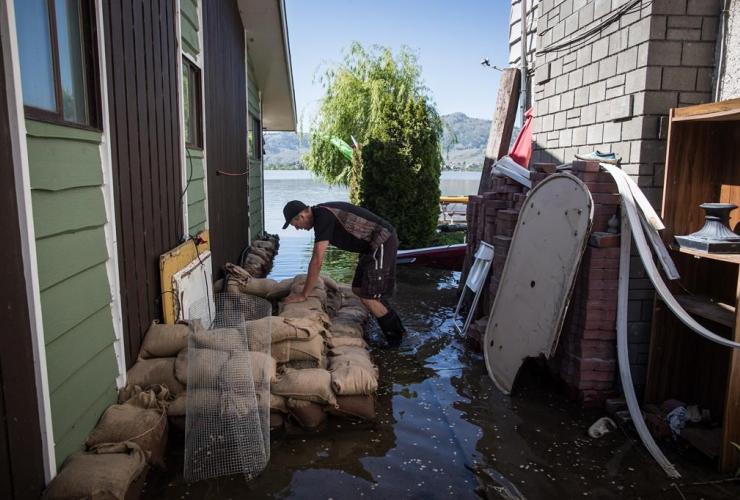 Steve Tye, crawl space, lakefront, summer home, flooding, Osoyoos,